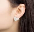 ต่างหู Love Diamond ต่างหู ติดหู แบบติดหู ขนาด 1.9 ซม. วัสดุ: โลหะอัลลอย ========== จัดส่ง จ-ศ ตัดรอบ 8.00น