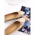 รองเท้าหนังแกะแท้ รุ่นคลาสสิค ไอเทมที่สาวๆต้องมีติดไว้ สีสวย ดูดีมากค่ะ ใส่ง่าย แมทง่าย ทุกวัน  รุ่นนี้เลย  มาพร้อมพื้นกันลื่น ยึดพื้นดี ไม่ลื่นนะคะ  #รองเท้า #รองเท้าหุ้มส้น #รองเท้าสวม #รองเท้าผู้หญิง