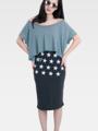 "Fabric : Cotton Spandex Stretch Terry Color : เทา Heather Gray  Size : Free Size  เอว 24"" ( ขยายได้ถึง 30"" )   สะโพก 32"" ( ขยายได้ถึง 36"" ) ยาว 24""  Detail : กระโปรงทรงสอบ ผ้ายืดเนื้อดี ขอบเอวเป็นยางยืด เย็บแบบซ่อนขอบ นำไปซัก-ปั่นด้วยเครื่องซักผ้าก็ไม่หดนะคะ ทรงสวยผ้านิ่ม  #กระโปรง #กระโปรงทรงสอบ #กระโปรงยาว"
