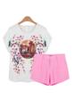 """เติมความเฟรชให้กับลุควันสบายของสาวๆด้วยเซ็ทเสื้อเบลาส์และกางเกงขาสั้น Renaisson in Love จาก Mirror Dress ที่สกรีนลายรถม้าล้อมรอด้วยดอกไม้สีชมพูในโทนสีสดใสซึ่งเข้ากันได้ดีกับกางเกงขาสั้นสีชมพูที่มาเป็นเช็ท สามารถใส่ด้วยกัน หรือแยกใส่ Mix and Match กับไอเท็มอื่นก็ย่อมได้  เสื้อ: - ผลิตจากผ้าโพลีผสม - คอกลม - แขนล้ำ - แบบสวมพร้อมกระดุมคอด้านหลัง - สวมใส่สบาย - ไม่มีซับใน  กางเกงขาสั้น: - ผลิตจากผ้าโพลีผสม - ซิปและกระดุมด้านหน้า - ขนาดพอดี - กระเป๋าข้าง 2 ข้าง  เสื้อเบลาส์: ไหล่ x รอบอก x ความยาว One Size ( 15"""" x 37"""" x 22"""")  กางเกงขาสั้น: รอบอก x รอบสะโพก x ความยาว One Size (27.5"""" x 35"""" x 12"""")"""