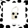 กระเป๋าถักสีขาว แต่งปอมๆสีดำ ข้างในมีซับอย่างดีและมีเชือกรูดผูกปิดได้นะค้า  #KnockKnock