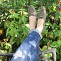 ใครที่มีปัญหาเรื่องหารองเท้าใส่ยาก ใส่แล้วไม่สวยเพราะหน้าเท้าใหญ่ ไม่กล้าใส่ทรงหัวแหลมกลัวใส่แล้วบีบเท้า กลัวรองเท้าหัวบานไม่เป็นทรง หรือใครที่ใส่รองเท้าแพงแค่ไหนก็โดนกัดตลอดๆ มาทางนี้ค่ะ !!!🌟 💕 รองเท้ารุ่น Present 🔸 นิ่มมาก เบา ใส่สบาย 🔸 เดินยังไงก็ไม่เมื่อย พื้นรองเท้าไม่แบนแต๊ดแต๋ 🔸 ลืมปัญหารองเท้ากัดไปได้เลย 🔸 เข้ากับทุกสไตล์การแต่งตัว ไม่ต้องคิดมากวันนี้ใส่คู่ไหนดี 🔸 เก็บรูปเท้าให้เรียวสวย 🔸 ใส่แล้วขาไม่ตันนะจ๊ะ 🔸 สีไหนก็ปัง ใส่แล้วเท้าไม่ดำ 🎐 ไซส์ 36-41  🎐 สี: เขียวขี้ม้า  #WS128 #Carnivalbag #Presentshoes #รองเท้า #รองเท้าผู้หญิง #รองเท้าหุ้มส้น