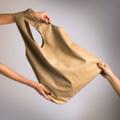 Signature tote bag กระเป๋าย่าม ทรงถุงก๊อบแก๊บ สินค้ายอดนิยมของทางแบรนด์ ใบใหญ่ ใช้ง่าย เข้ากับเสื้อผ้าได้ทุกแบบทุกสี  • เหมาะที่จะเป็นกระเป๋าสิ้นคิด คิดไม่ออกว่าจะแมทช์กระเป๋าใบไหนกับชุดที่เราใส่ คว้า signature tote bag ของเราออกนอกบ้านได้เลย !  • จุของได้เยอะมากๆ ใส่ได้ยัน Notebook หรือจะแฟ้มเอกสารขนาด A4   • ไม่ต้องกลัวเลอะ! ไม่กลัวเปียก! เพราะวัสดุของเรากันน้ำ (ซับในเลอะก็ดึงออกมาซักได้นะ)  • มีช่องเล็กด้านใน แบ่งของเล็กๆได้สบาย ไม่ว่าจะ ลิปสติก โทรศัพท์มือถือ   • กว้าง 44 cm. / ยาว 40 cm. / ก้นกระเป๋ากว้าง 9.5 cm.  • สินค้ามี 3 สี : ดำ / ขาว / นู้ดเบจ  • วัสดุ : PU leather กันน้ำ / ซับใน Nylon  #กระเป๋า #กระเป๋าสะพาย #กระเป๋าผู้หญิง