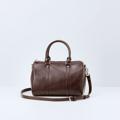 Size : W30 * H21 * D18 cm. Detachable strap : 110 cm.  Material : Premium PU leather Color : ช็อคโกแลต Chocolate Detail : 1 ช่องใหญ่ เปิด-ปิดด้วยซิป / 1 ช่องซิปเล็กด้านในกระเป๋า / อะไหล่สีเงิน  #กระเป๋า #กระเป๋าสะพาย #กระเป๋าผู้หญิง #กระเป๋าหนัง