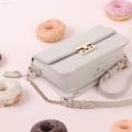 Miss.Heart Collection♡ color : Chiffon Grey (สีเทากับเบจ 2 สีในใบเดียวกัน) size : 8x23.5x16 cm  กว้างxยาวxสูง Material : Imported PU  💜มี 2 สาย สายสั้นและสายยาว สายสั้นถอดออกได้ สายยาวปรับความยาวได้ 2 ระดับ ภายในมีกระเป๋าใบเล็ก สามารถถอดออกได้ ที่เสียบฉลุหนังเป็นลายหัวใจน้า แถมที่ห้อยด้านข้างกระเป๋าเป็นรูปหัวใจน้า