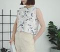 ":: Printed Crop :: ~ 2 Colors : ดำ Black / ขาว White ~ Cotton ~ Chest Width 36"" ~ Length 18"" ~ 390THB.  #เสื้อผ้าผู้หญิง #เสื้อผู้หญิง #เสื้อแขนกุด"