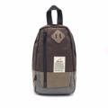 PACK UP กระเป๋าคาดอก รุ่น IP0105 (สีน้ำตาล) ขนาด : 16 x 10 x 27 (กว้าง x ลึก x สูง, ซม.)  - สายสะพายปรับระดับได้ สามารถสะพายได้ทั้งด้านซ้ายและด้านขวา - ด้านหลังกระเป๋าบุฟองน้ำ ช่วยให้อากาศถ่ายเทได้ดี ลดอาการเหงื่อออกขณะสะพาย - มีช่องกระเป๋าหน้า 1 ช่อง - ช่องซิปหลักมีช่องสำหรับใส่ Smartphone และแบตสำรอง - มีช่องซิปเล็กด้านในกระเป๋า สำหรับใส่สิ่งของมีค่า