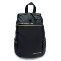 PACK UP FOUVOR กระเป๋าเป้รุ่น 2538-23 (สีดำ)  กระเป๋าเป้ ผ้ากันน้ำ รุ่น FV 2538-23 สีดำ ขนาด : 26 x 14 x 34 (กว้าง x ลึก x สูง, ซม.)  - ผลิตจากผ้าไนล่อนเคลือบสารกันน้ำ - ด้านหลัง และสายสะพายบุฟองน้ำ ทำให้มีอากาศถ่ายเทขณะสะพาย ลดอาการเหงื่อออกขณะสะพาย - สายสะพายปรับระดับได้ ตามสรีระของผู้ใช้ - มีช่องด้านข้างสำหรับใส่ใส่ขวดน้ำ หรือร่ม - ช่องซิปหลักด้านในมีช่องย่อยสำหรับใส่ Smartphone และ Tablet - ช่องซิปหลักมีช่องซิปสำหรับใส่สัมภาระสำคัญ เช่น กระเป๋าธนบัตร - ด้านหลังมีช่องเก็บของอเนกประสงค์อีกหนึ่งช่อง
