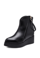 ถึงเวลาที่คุณจะได้มาอัพเดทคอลเล็คชั่นรองเท้าด้วยการเลือกเป็นเจ้าของรองเท้าบู๊ทดีไซน์โดดเด่นสักคู่ อย่างรองเท้าบู๊ทดีไซน์สวยคลาสสิคในแบบฉบับรองเท้าบู๊ทขี่ม้าจากแบรนด์ DBag by Mirror Dress คู่นี้ที่พร้อมเปลี่ยนอารมณ์ของคุณไปกับวัสดุรองเท้าอัดเกรนเนื้อเรียบ คงความอุ่นสบายเรียวเท้าและยังดูสวยชิคไม่ตกเทรนด์ไปพร้อมๆ กัน   - ด้านนอกรองเท้าผลิตจากหนังสังเคราะห์ - ทรงหัวเรียว - พื้นรองเท้าด้านนอกผลิตจากวัสดุสังเคราะห์  ขนาดมาตรฐาน Width (ความกว้าง) x Length (ความยาว) (ซม.)  Size 36 ( 8.5-9 x 22.5-23 ) Size 37 ( 9 x 23-23.5 ) Size 38 ( 9-9.5 x 23.5-24 ) Size 39 ( 9.5 x 24-24.5 )