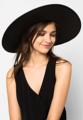 หมวกสานปีกกว้าง สีดำ ทรงสวยคลาสสิค ต้อนรับซัมเมอร์นี้ ใส่ได้ทุกโอกาส