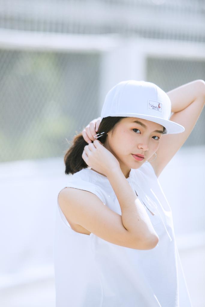 vavia,baseballcap,cap,hiphopcap,hat,white,หมวก,สีขาว,ขาว,minimalist