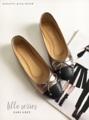 รองเท้าหนังแกะทูโทน ผลิตจากหนังแท้ทั้งคู่ พื้นด้านในนิ่มม ใส่สบาย มาพร้อมพื้นกันลื่น เดินมั่นใจไม่ลื่น  #รองเท้า #รองเท้าหุ้มส้น #รองเท้าสวม #รองเท้าผู้หญิง