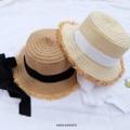 หมวกสาน แต่งเชือก งานเกาสุดๆๆๆ น่ารักมากก จะเอาเชือกมาผูกไว้ที่คาง หรือจะเอามาพันรอบหมวกแล้วผูกโบว์ก็ได้ค่า คือใส่ได้หลายแบบมาก **หมวก 1 ใบ ได้เชือกทั้ง 2 สีเลยนะคะ เอาไปเปลี่ยนให้เข้ากับชุดได้ค่าา คุ้มมากก   ตัวหมวกมี 2 สีนะคะ สีเข้ม / สีอ่อน  #หมวกสาน #หมวกสานแต่งเชือก #หมวกสานเชือกผูก #หมวกvintage #vintage #KnockKnock
