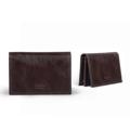 Product Detail  color : Dark Brown Glazed (น้ำตาลเข้ม) size : 7.5 (W) x 11.5 (L) x 1.6 (D) cm.  Product No. : 02843  รายละเอียดสินค้า • ที่ใส่นามบัตรจุบัตรได้มากมาย • ที่ใส่นามบัตรที่สามารถใส่บัตรได้ 3 ช่อง มีช่องใหญ่ 1 ช่อง  • ผลิตจากหนังแท้คุณภาพดี