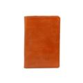 Product Detail  color : Brown Glazed size : 9.8 (W) x 13.7 (L) x 1 (D) cm.  Product No. : 02652  รายละเอียดสินค้า • ผลิตจากหนังแท้คุณภาพดี • ช่องสำหรับใส่บัตรทั้งหมด 4 ช่อง  • ช่องสำหรับใส่ boarding pass และเอกสารต่างๆ  • พลาสติกสำหรับกั้นหน้าที่เปิดทิ้งไว้ทำให้ง่ายต่อการเปิดพาสปอร์ต  และป้องกันพาสปอร์ตหล่นหายระหว่างทาง • เสน่ห์ของหนังประเภทนี้คือลวดลายที่เกิดขึ้นตามธรรมชาติ