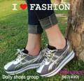 """รองเท้าผ้าใบ วัสดุผ้ากลิตเทอร์วิ้งๆตัดเส้นและหน้าร้อยเชือกสีเงิน สูง2.5เซน เสริมส้นด้านใน1.5""""ดีเทลรุ่นนี้เวลาออกแดดหรือโดนแสงไฟจะวิบวับระยิบระยับสีจะออกเหลือบโทนน้ำเงิน และเหลือบโทนชมพู รุ่นนี้แนะนำเลยนะคะต้องมีติดตู้ไว้เลยค่ะ เวลาโดนแสงจะฟรุ้งฟริ้งและเปลี่ยนสี สวยและเก๋มว๊ากก งานมาน้อยรีบจองด่วนเลยจร้าา *รูปถ่ายจากสินค้าจริง*  colour:เหลือบโทนน้ำเงิน/เหลือบโทนชมพู ไซส์ 36-40 บวก1ไซส์  ราคา 550 บาท ems 70"""