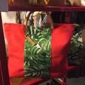 กระเป๋าผ้าแคนวาสหนา ตั้งอยู่ทรงได้ สายหนังวัวแท้ฟอกฟาด #lapindesign #bag #leather #leathergood #canvas #Flowerbag #lapindesigns #fashion #women #ToteBagbyLapin #lapindesigns