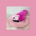 💗Pretty in pink hat💗  Detail หมวกปานามาเพ้นลายนกฟลามิงโก้ เพิ่มความเก๋ และมีกลิ่นอายแบบวินเทจอีกนิดด้วยขนนกสีชมพู ค่ะ  #pleaseshop #flamingo #hat #vintage #chic #panamahat #หมวกปานามา #หมวกเพ้นลาย #pink