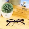 มาตามความเรียกร้อง !! RECORD Black สามารถนำไปเปลี่ยนเลนส์สายตาได้ Price 490.- | ส่งฟรีทั่วประเทศ พร้อมกล่องแว่นและผ้าเช็ดเลนส์ #glassess สนใจสั่งซื้อ  Add line :  kubotaz #RECORD #ggeeglasses
