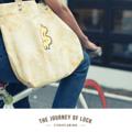 กระเป๋าผ้า Tote Bag ทำจากผ้าแคนวาสแบบมีก้นขยาย พิมพ์ลายแพทเทิร์นหิน ปักลวดลายกราฟิก หูกระเป๋าทำจากหนัง  เหมาะสำหรับใส่ของใช้และสิ่งของที่ต้องการพกพาติดตัว  Size : 45.5 x 32.5 x 12 cm. Material : Printed cotton & Leather | Handmade   Designed by Studioflamingo Co.,Ltd  Contact Us LINE ID: @studioflamingo IG: @studioflamingostore FB: www.facebook.com/studioflamingostore WEB: www.studioflamingostore.com TEL: 095-869-0959