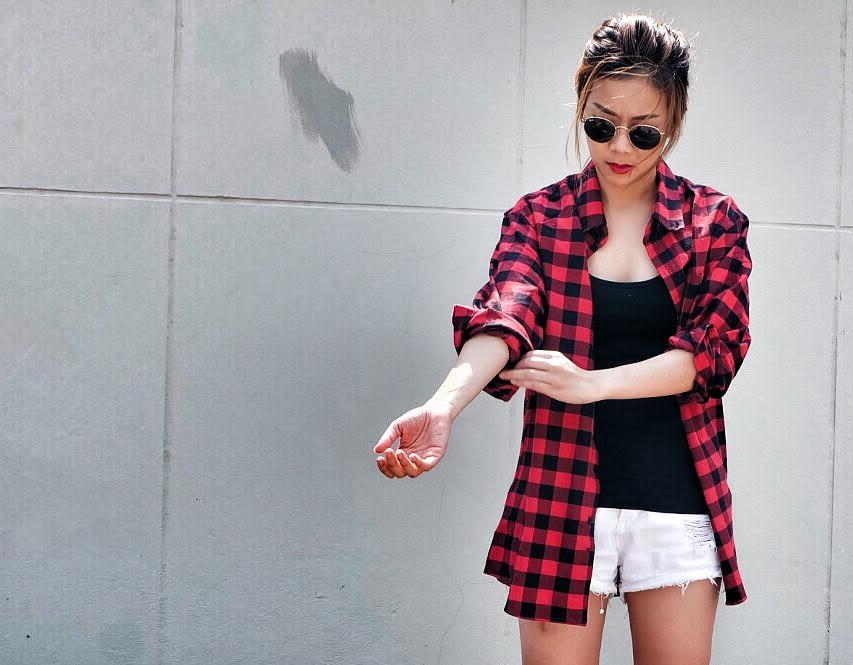 เสื้อลายสก๊อต,เสื้อลายสก๊อตสีแดง,เสื้อลายสก๊อตสีน้ำเงิน,เสื้อลายสก๊อตสีเทา,เสื้อลายสก๊อตสีเขียว,superscott,flannel,flannelshirt,plaid,plaidshirt,เสื้อลายสก๊อตผู้หญิง