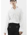 -Many Moons Ago- Collection  Name: 'Lawrence' Oversized Single Moon Shirt  Description: เสื้อเชิ้ตลายทางทรง Oversized ไหล่ตก แขนกระบอกปล่อยยาวเกินข้อมือ เป็นอีกหนึ่งตัวที่มีโครงเสื้อเก๋ไม่เหมือนใคร กลางลำตัวตกแต่งด้วยกระดุมสีเงินด้าน และมีวงแหวนขนาดใหญ่ที่กลางหลัง (วงแหวนสามารถถอดออกได้) Color: White   Grey  Fabric: Cotton Denim Size:  (1) Size S: รอบอก 37 นิ้ว ความยาวเสื้อ 27 นิ้ว (2) Size M-L: รอบอก 41 นิ้ว ความยาวเสื้อ 28 นิ้ว (3) Size XL: รอบอก 45 นิ้ว ความยาวเสื้อ 29 นิ้ว Price: 850 บาท  ค่าจัดส่งแบบลงทะเบียน 30 บาท  ค่าจัดส่งแบบด่วนพิเศษ EMS 50 บาท