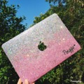 เคสไล่สีชมพูเงิน สำหรับแม็คบุ๊ค  เคสแม็คสี 2 ชิ้นพร้อมฐานนะคะ  Macbook Glitter Case Pro / Air / Retina / The new macbook  11 inch  1300฿ 12 inch  1300฿ 13 inch  1350฿ 15 inch  1390฿  Add name + 100฿ -------------------------------   #Macbook #Macbookcase #MacBookPro #Macbookair #Macbookretina #glitter #Glittercase #เคสกลิตเตอร์ #เคสกากเพชร #เคสแม็คบุ๊ค #Macbookglittercase #Hologram glitter case for macbook 13 inch #traceryshop #Pink Hologram glitter case for macbook  #traceryshop #Galaxy Glitter case for Macbook #traceryshop #traceryshop