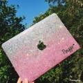 เคสไล่สีชมพูเงิน สำหรับแม็คบุ๊ค  เคสแม็คสี 2 ชิ้นพร้อมฐานนะคะ  Macbook Glitter Case Pro / Air / Retina / The new macbook  11 inch  1300฿ 12 inch  1300฿ 13 inch  1350฿ 15 inch  1390฿  Add name + 100฿ -------------------------------  Line ID @Traceryshop (เติม@ด้วยน๊า)  #Macbook #Macbookcase #MacBookPro #Macbookair #Macbookretina #glitter #Glittercase #เคสกลิตเตอร์ #เคสกากเพชร #เคสแม็คบุ๊ค #Macbookglittercase #Hologram glitter case for macbook 13 inch #traceryshop #Pink Hologram glitter case for macbook  #traceryshop #Galaxy Glitter case for Macbook #traceryshop #traceryshop